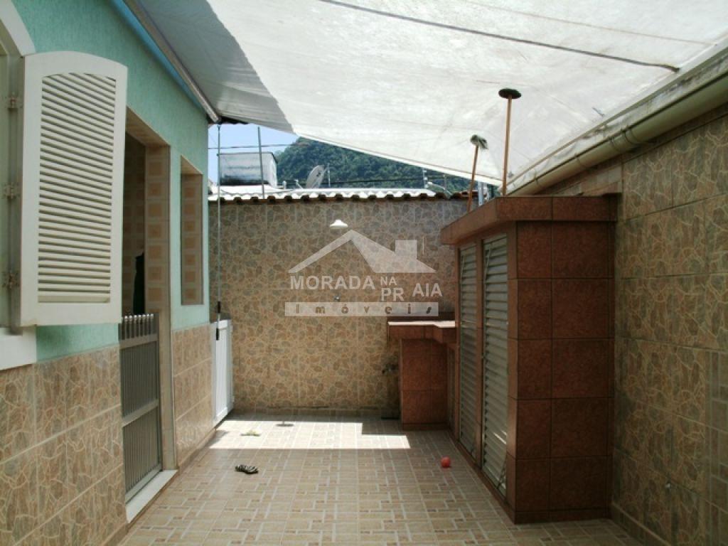 Fundo do casa isolada com 3 dormitórios em Canto do Forte - Praia Grande