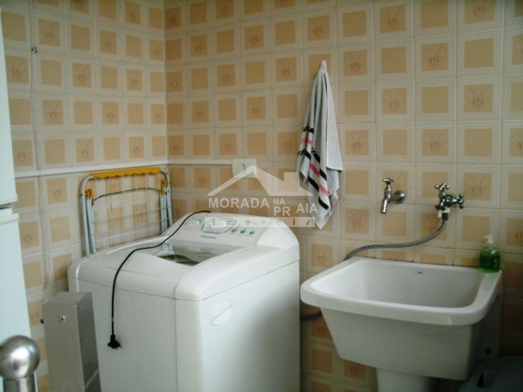Área de serviço do casa isolada com 3 dormitórios em Canto do Forte - Praia Grande