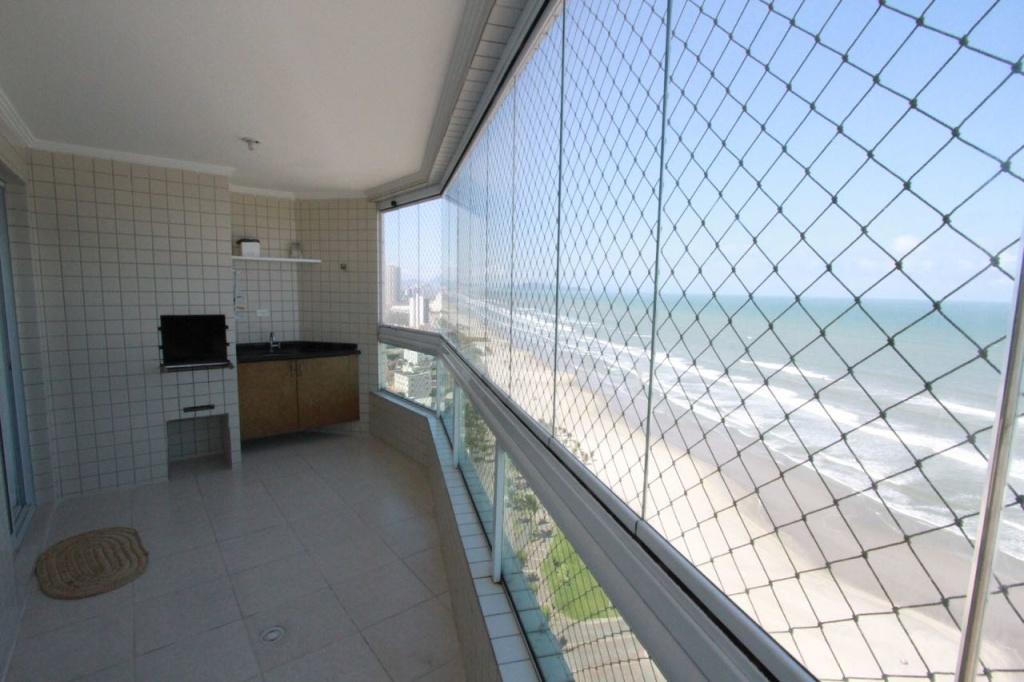 Churrasqueira na Sacada do apartamento com 2 dormitórios em Vila Mirim - Praia Grande