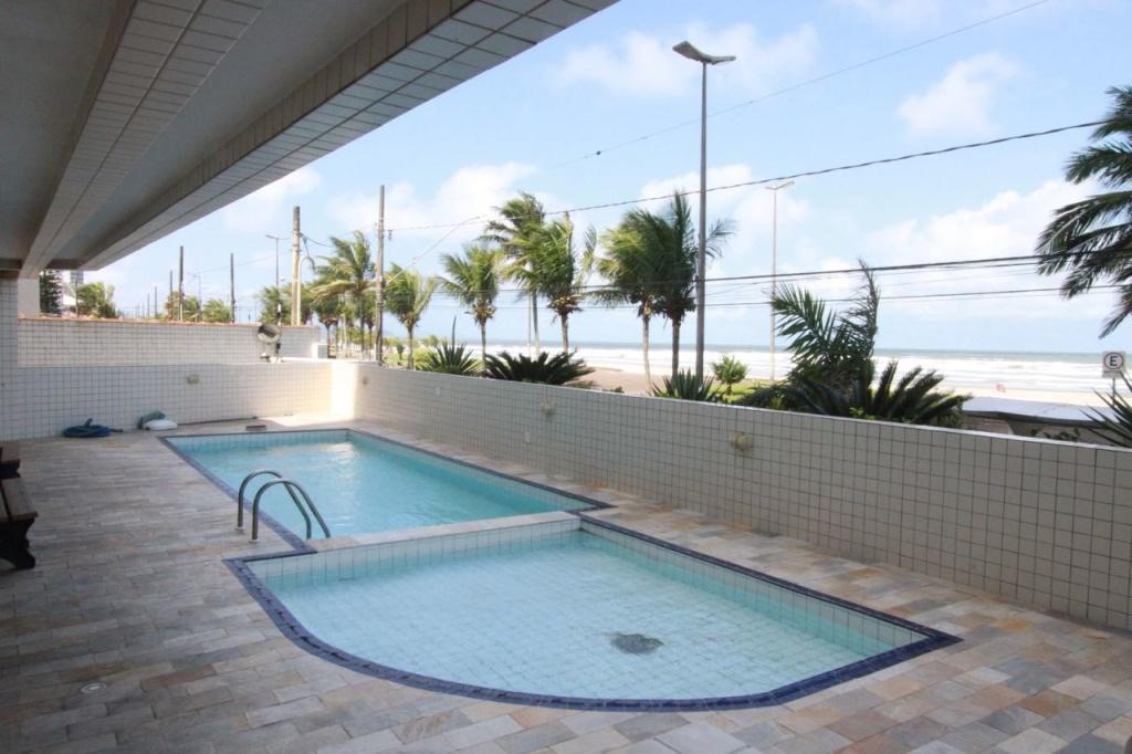 Piscina do apartamento com 2 dormitórios em Vila Mirim - Praia Grande