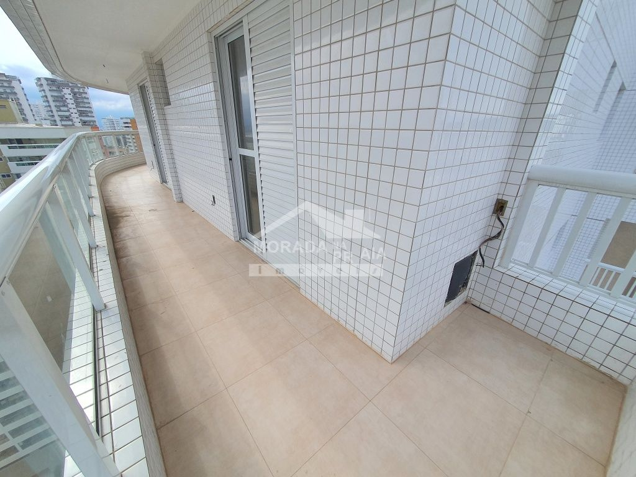 Fachada do apartamento com 3 dormitórios em Canto do Forte - Praia Grande