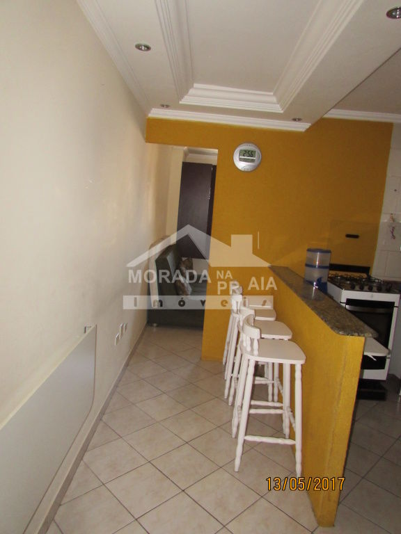 Sala do kitinet com 1 dormitórios em Vila Tupi - Praia Grande