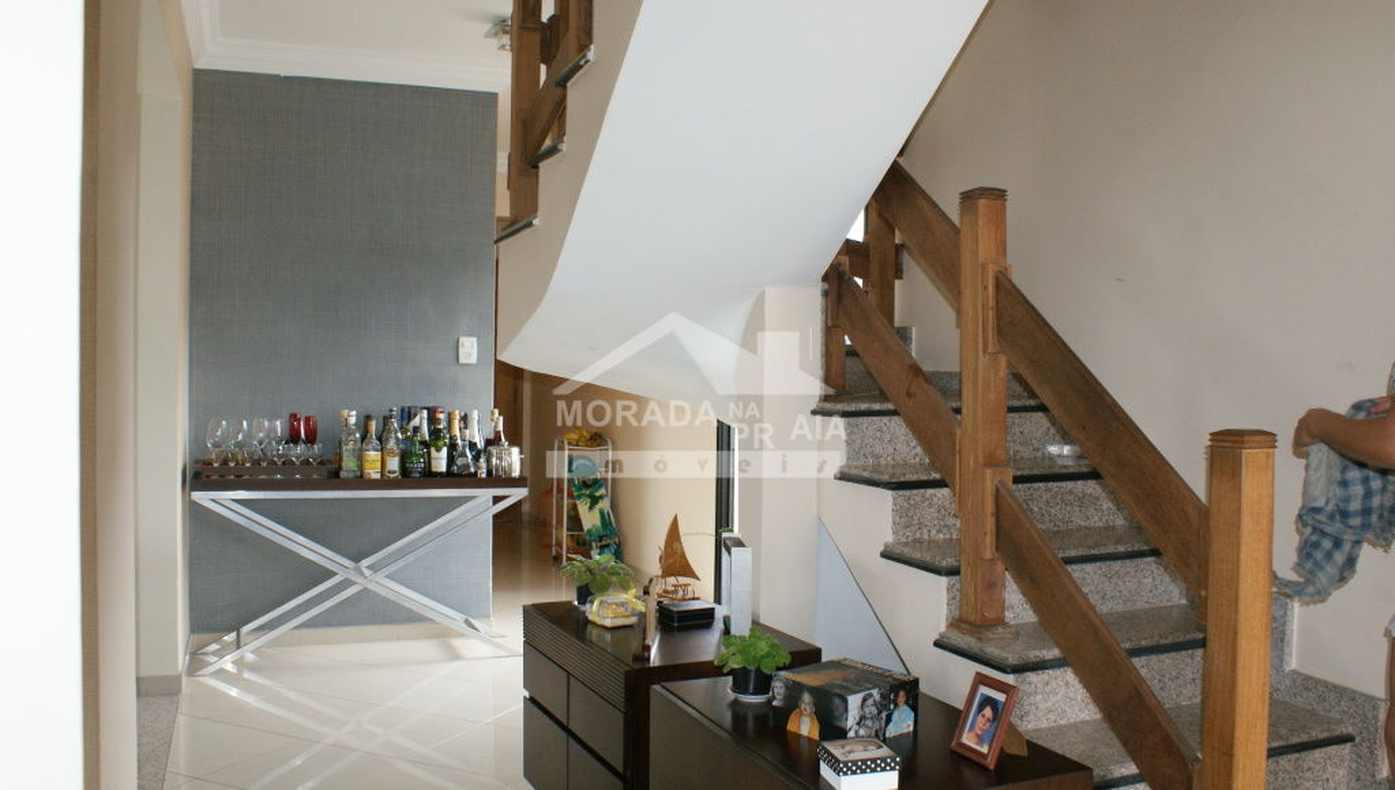 Escada do cobertura com 3 dormitórios em Canto do Forte - Praia Grande