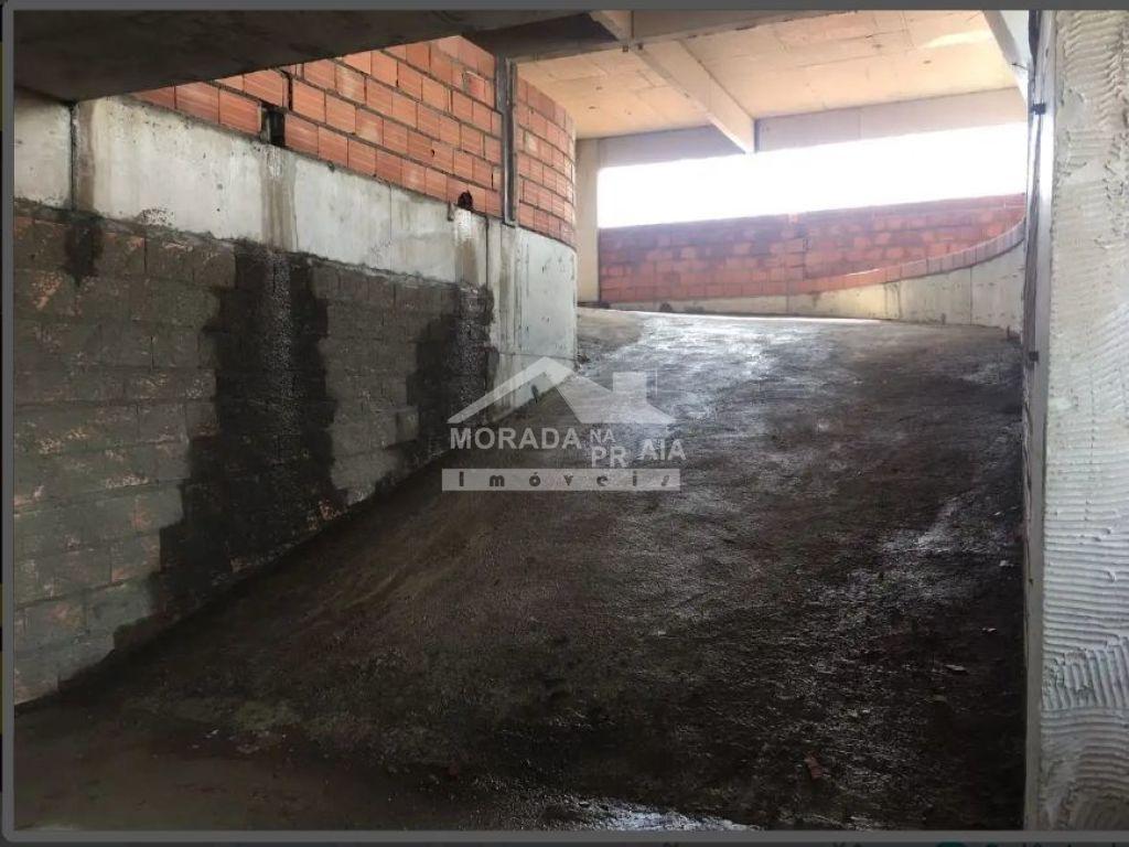 Rampa de acesso garagem do apartamento com 1 dormitórios em Balneário Maracanã - Praia Grande