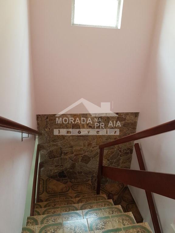 Escada interna ang 02 do sobrado geminado com 2 dormitórios em Canto do Forte - Praia Grande