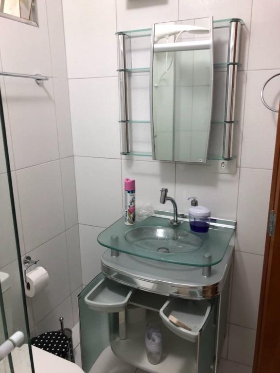 W/c social do apartamento com 2 dormitórios em Boqueirão - Praia Grande