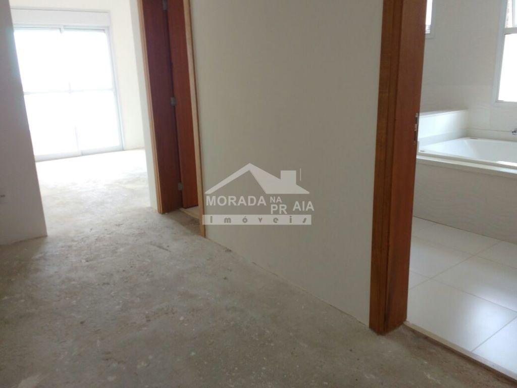 Hall Interno do apartamento com 4 dormitórios em Canto do Forte - Praia Grande