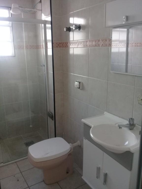 WC social do apartamento com 2 dormitórios em Boqueirão - Praia Grande