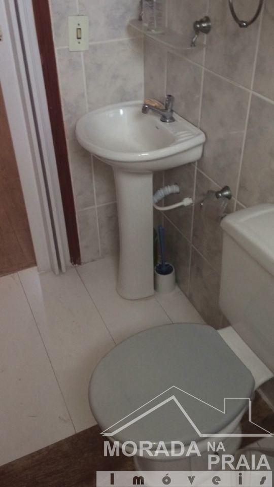 WC social ang 02 do sala com  dormitórios em Boqueirão - Praia Grande