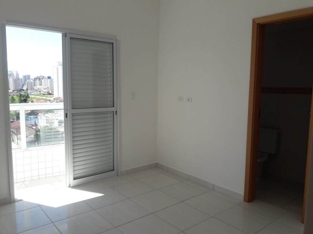 Dormitório Suíte do apartamento com 2 dormitórios em Campo da Aviação - Praia Grande