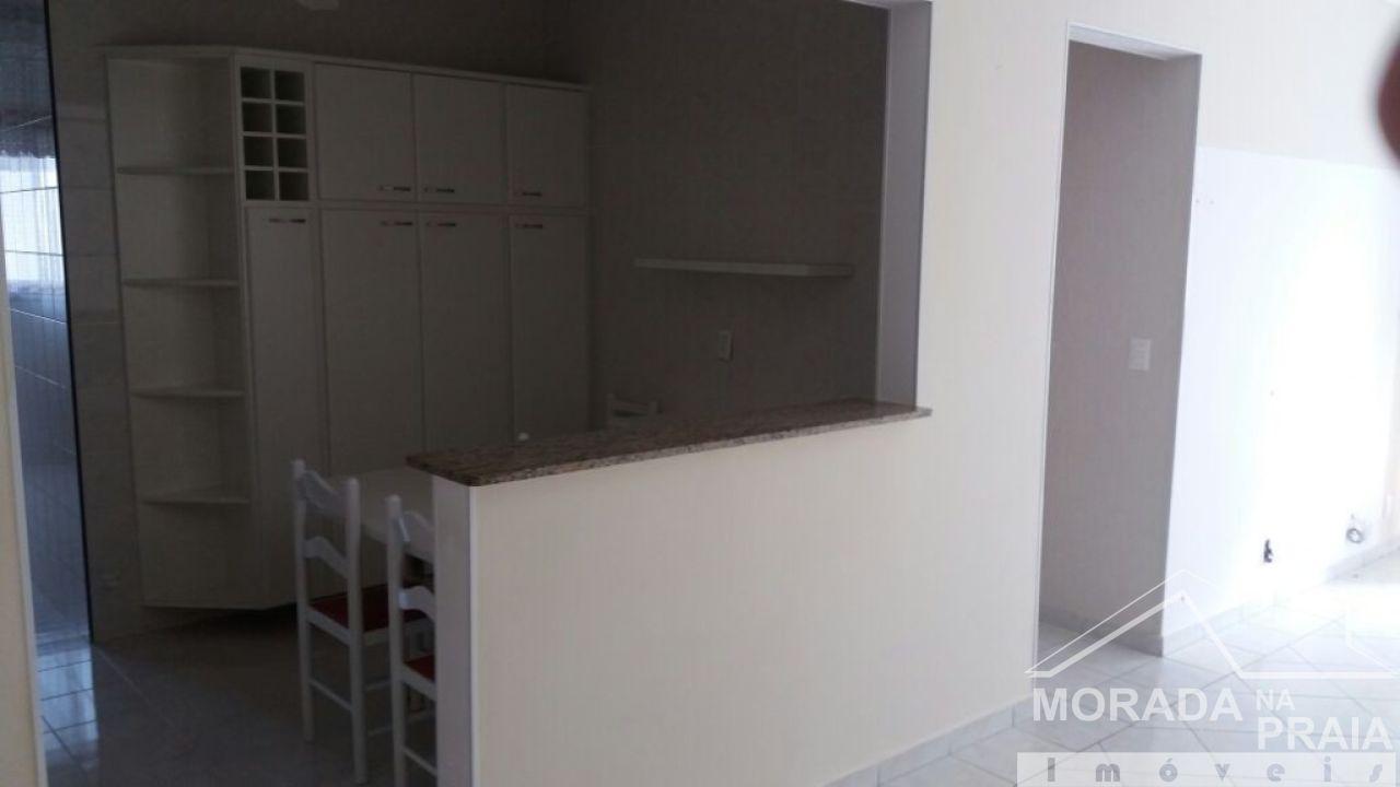 Cozinha do apartamento com 3 dormitórios em Campo da Aviação - Praia Grande