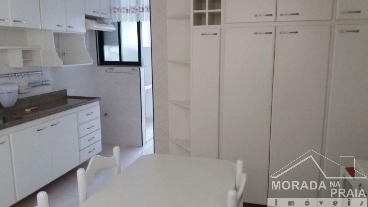 Cozinha ang 02 do apartamento com 3 dormitórios em Campo da Aviação - Praia Grande