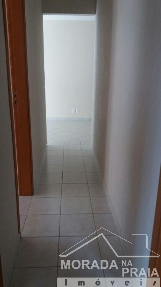 Corredor ang 02 do apartamento com 3 dormitórios em Campo da Aviação - Praia Grande