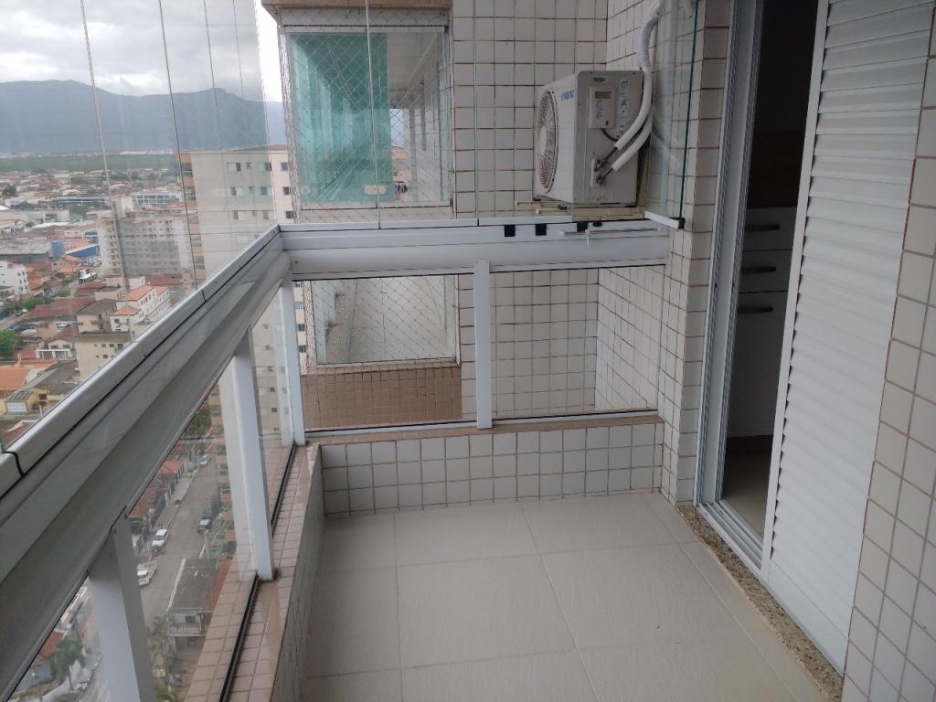 Sacada da sala e suíte do apartamento com 1 dormitórios em Campo da Aviação - Praia Grande