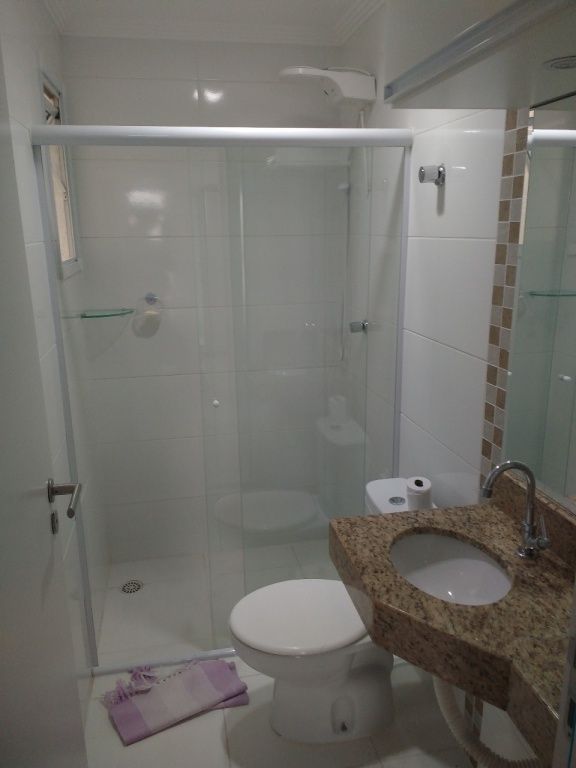 WC social do apartamento com 1 dormitórios em Campo da Aviação - Praia Grande