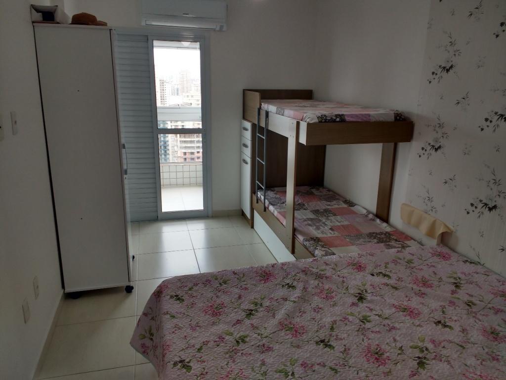 Suíte do apartamento com 1 dormitórios em Campo da Aviação - Praia Grande