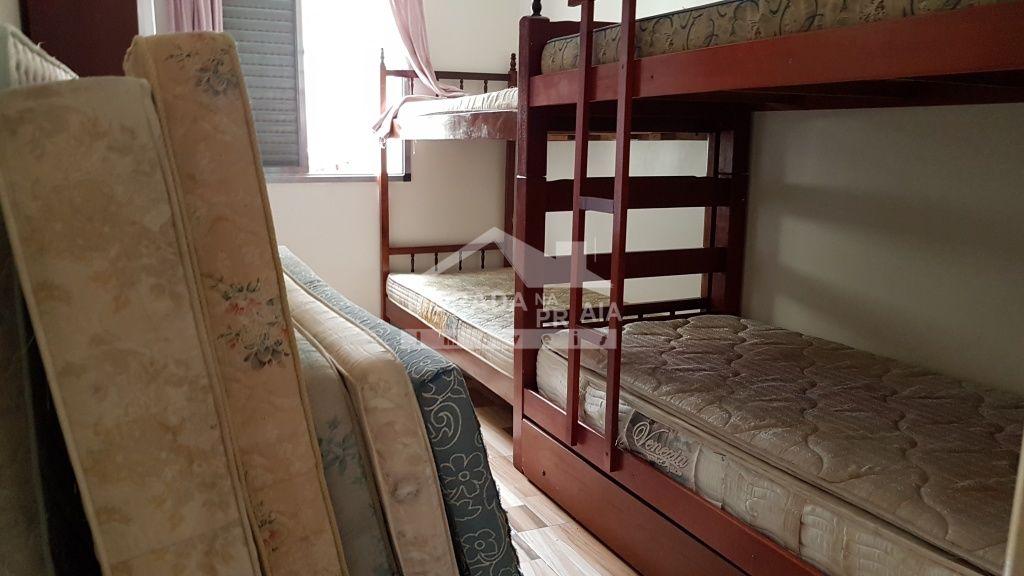 Dormitório 02 do apartamento com 2 dormitórios em Canto do Forte - Praia Grande