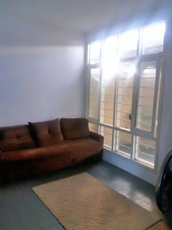 Sala sang 03 do casa geminada com 2 dormitórios em Boqueirão - Praia Grande