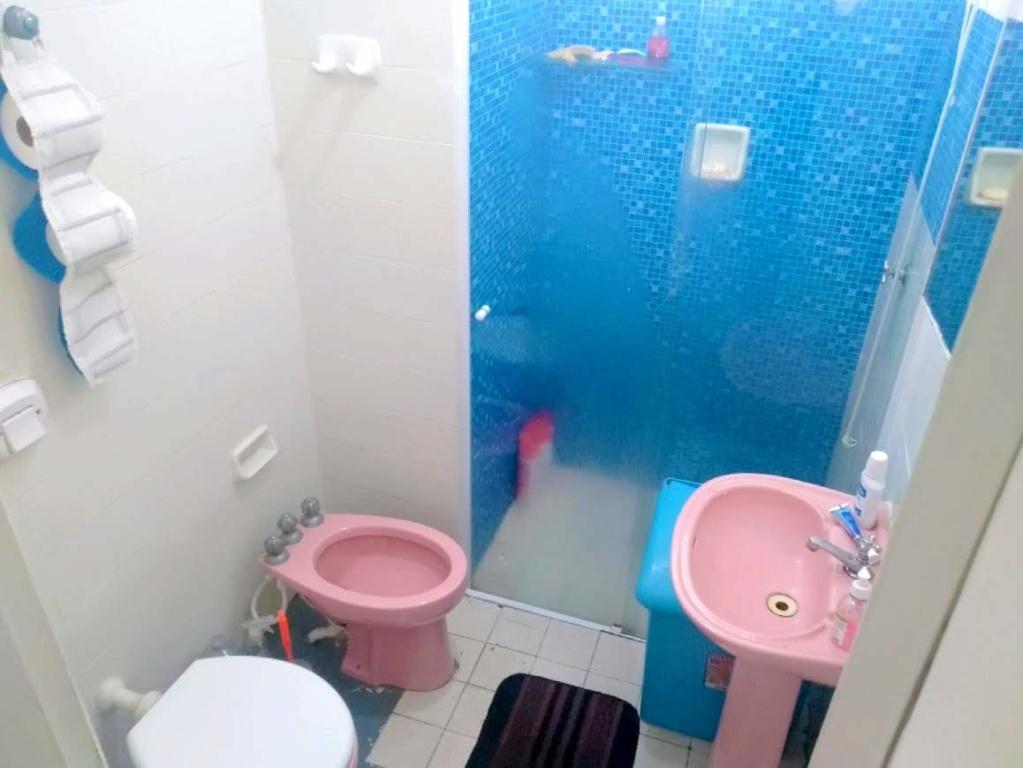 WC social do casa geminada com 2 dormitórios em Boqueirão - Praia Grande