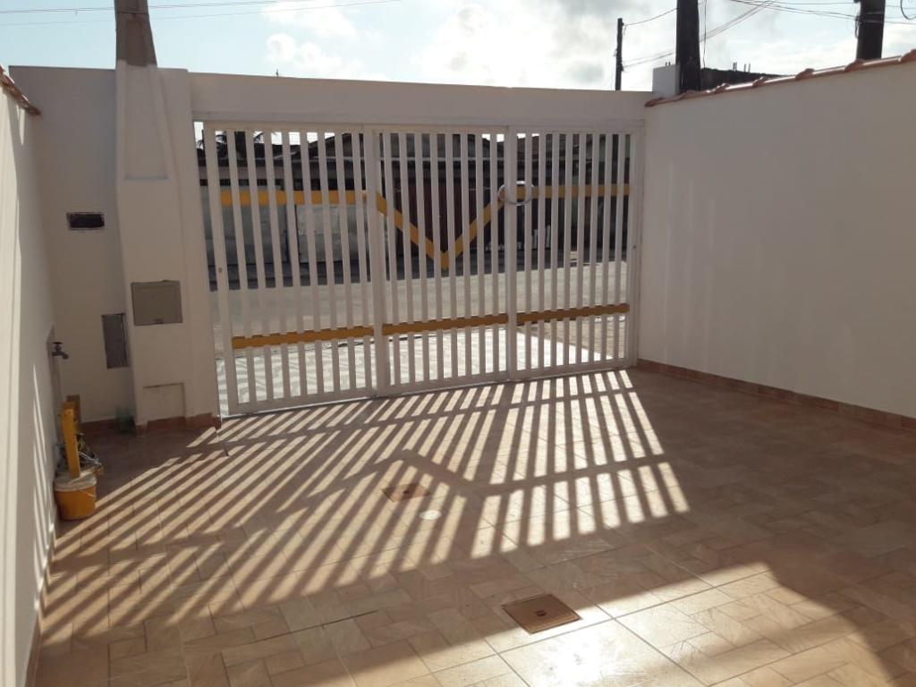 Garagem do casa geminada com 2 dormitórios em Balneário Esmeralda - Praia Grande