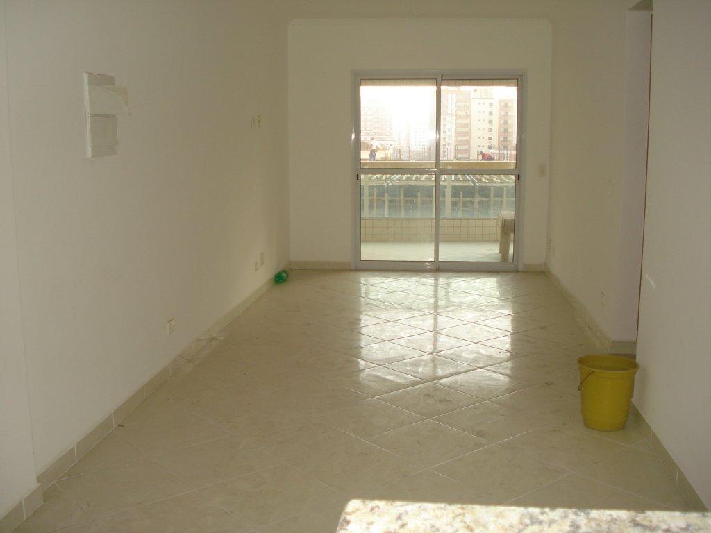 Sala do apartamento com 2 dormitórios em Vila Tupi - Praia Grande