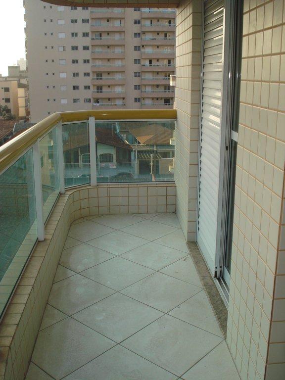 Sacada da suíte do apartamento com 2 dormitórios em Vila Tupi - Praia Grande