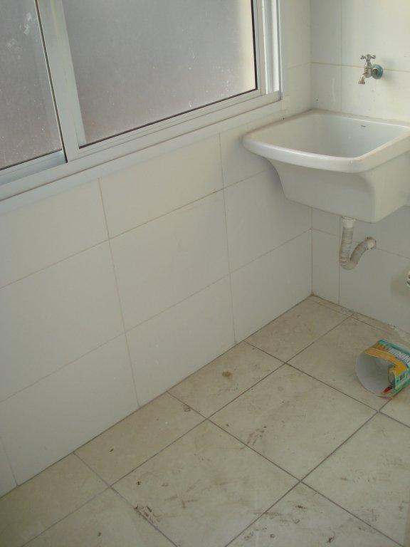 Área de serviço do apartamento com 2 dormitórios em Vila Tupi - Praia Grande