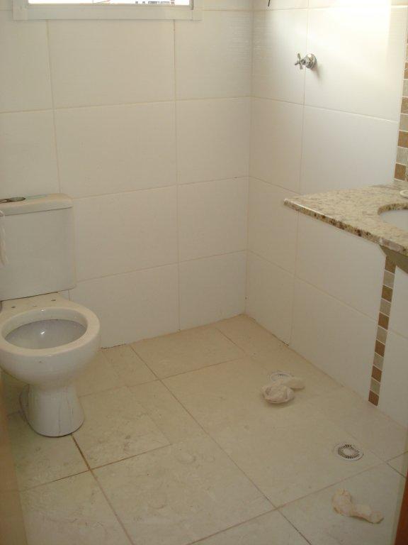 WC social do apartamento com 2 dormitórios em Vila Tupi - Praia Grande