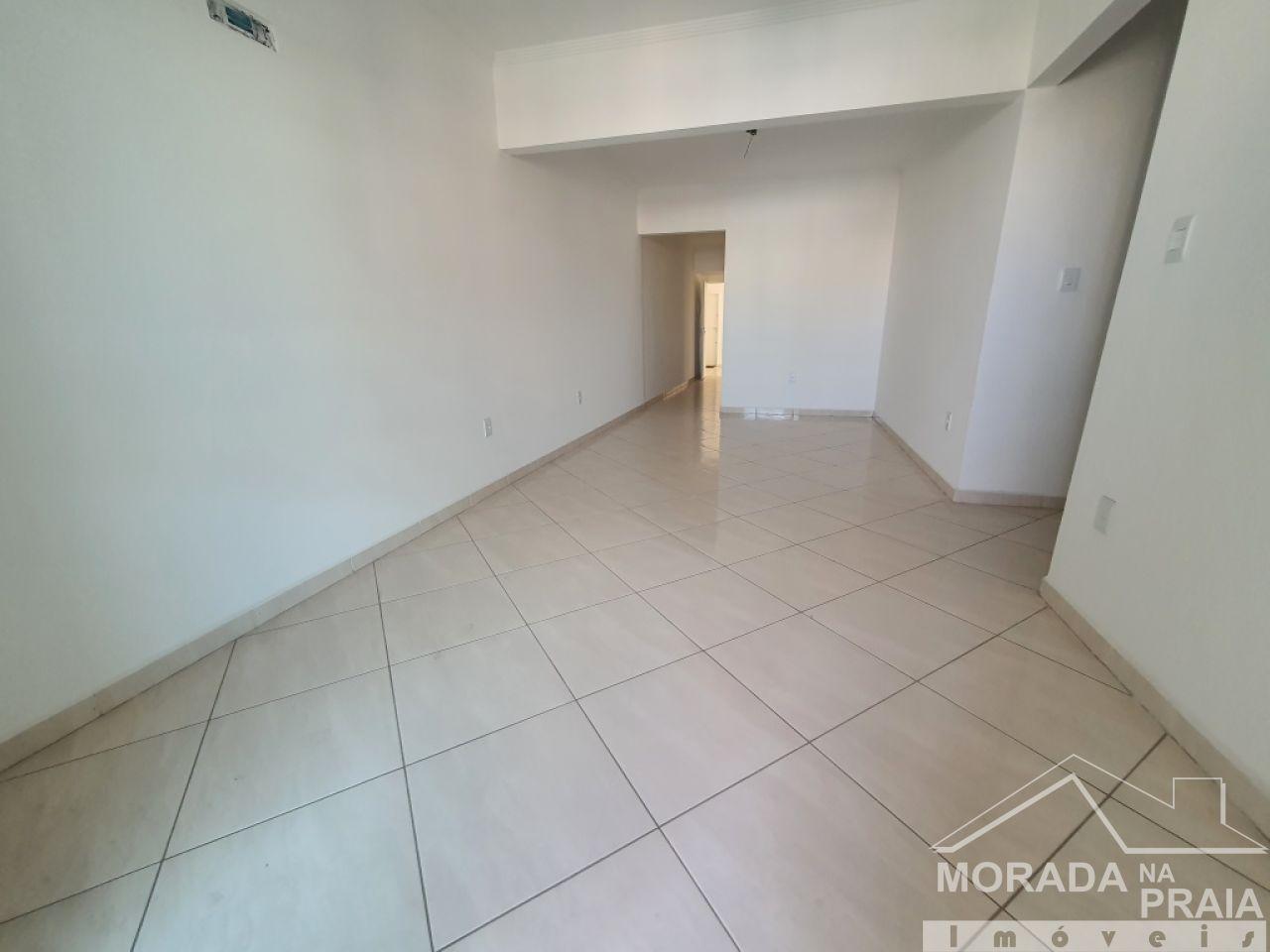 Cozinha do apartamento com 2 dormitórios em Vila Guilhermina - Praia Grande