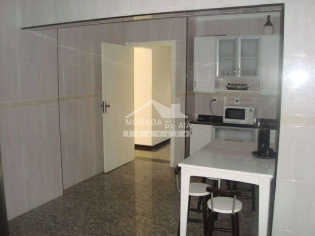 Cozinha ang 02 do apartamento com 3 dormitórios em Canto do Forte - Praia Grande