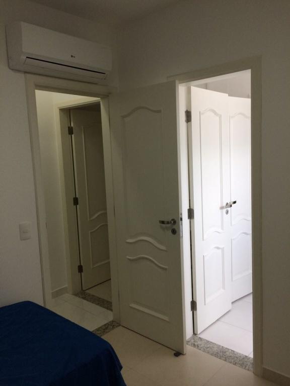 Suíte 03 ang 02 do apartamento com 3 dormitórios em Canto do Forte - Praia Grande