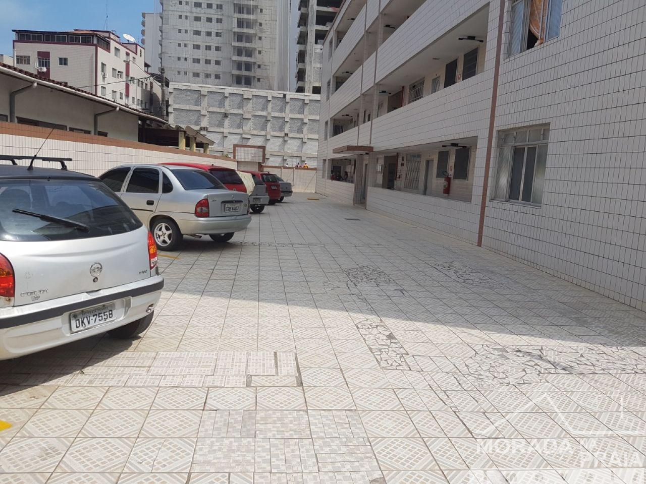 Garagem do apartamento com 2 dormitórios em Boqueirão - Praia Grande