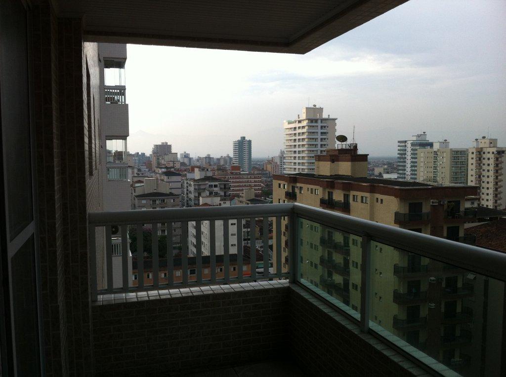 Sacada da sala do apartamento com 1 dormitórios em Canto do Forte - Praia Grande