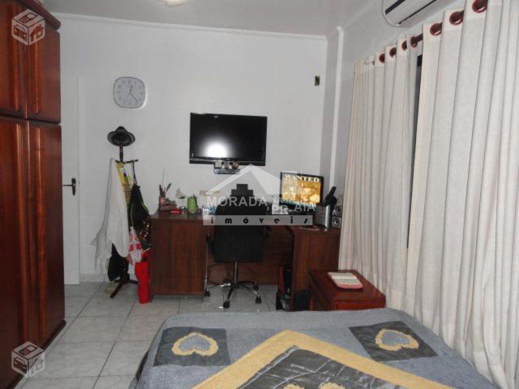 Dormitório 02 ângulo 03 do apartamento com 2 dormitórios em Vila Guilhermina - Praia Grande