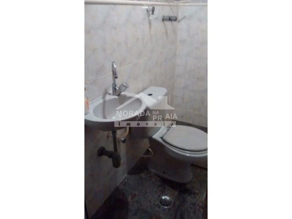 WC social do apartamento com 3 dormitórios em Vila Tupi - Praia Grande