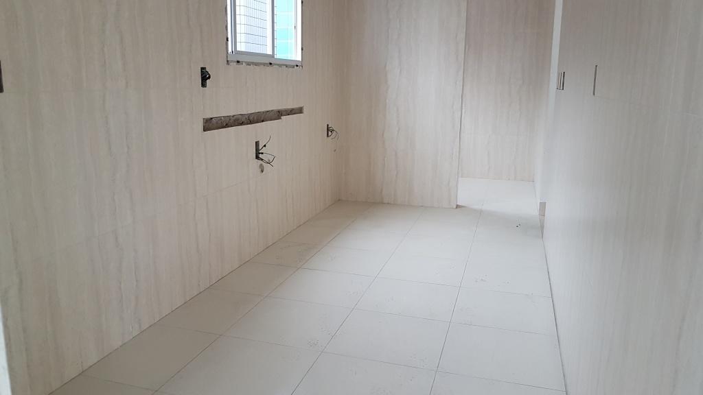 Cozinha ang 02 do apartamento com 2 dormitórios em Canto do Forte - Praia Grande