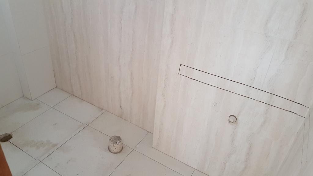 WC suíte 01 do apartamento com 2 dormitórios em Canto do Forte - Praia Grande