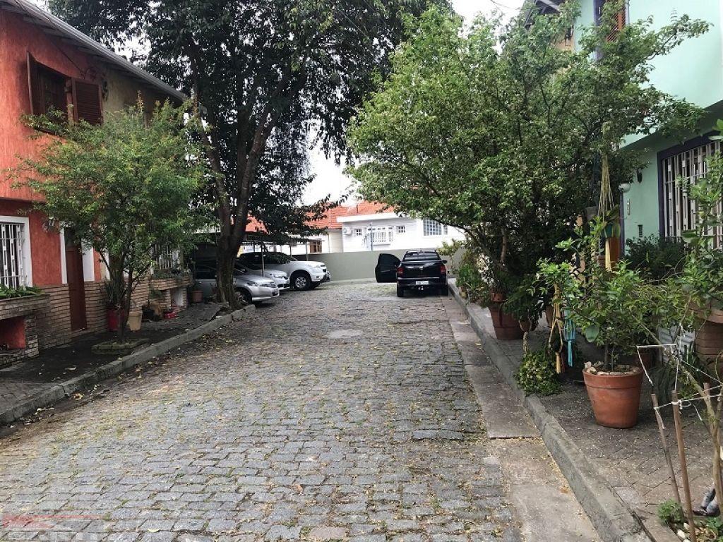 Casa De Vila para Venda -