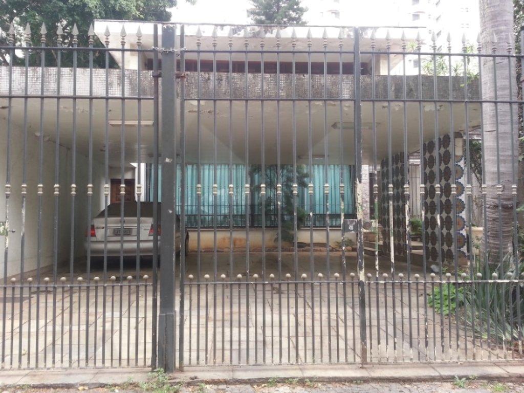 sobrado-venda-sao-paulo-moema-4dormitorios-2suites-8vagas-450m2-Foto1
