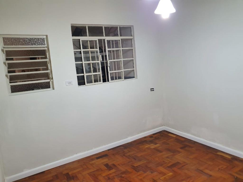 Alugar - Casa  - Parque Vitória - 2 dormitórios.