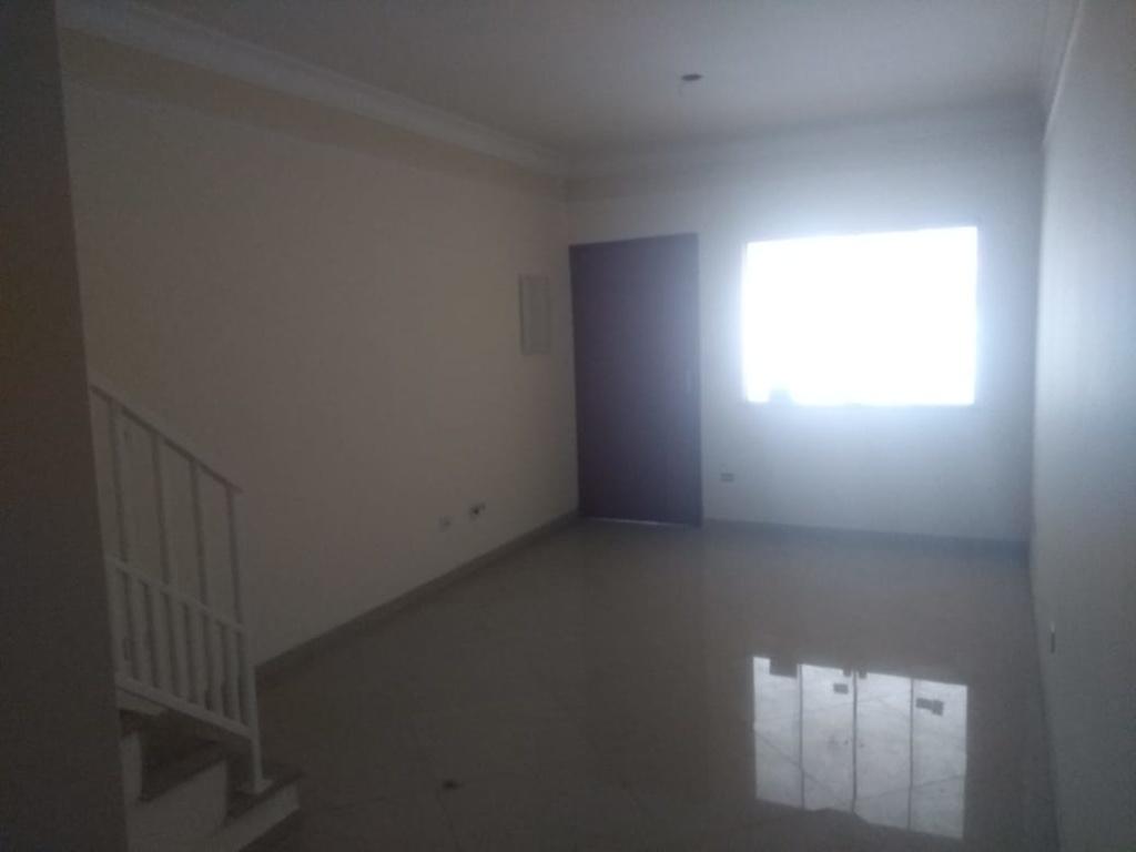 Comprar - Sobrado - Parque Ramos Freitas - 3 dormitórios.