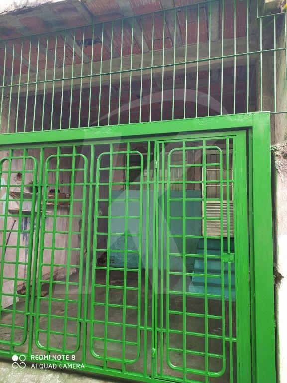 Comprar - Casa  - Parque Edu Chaves - 2 dormitórios.