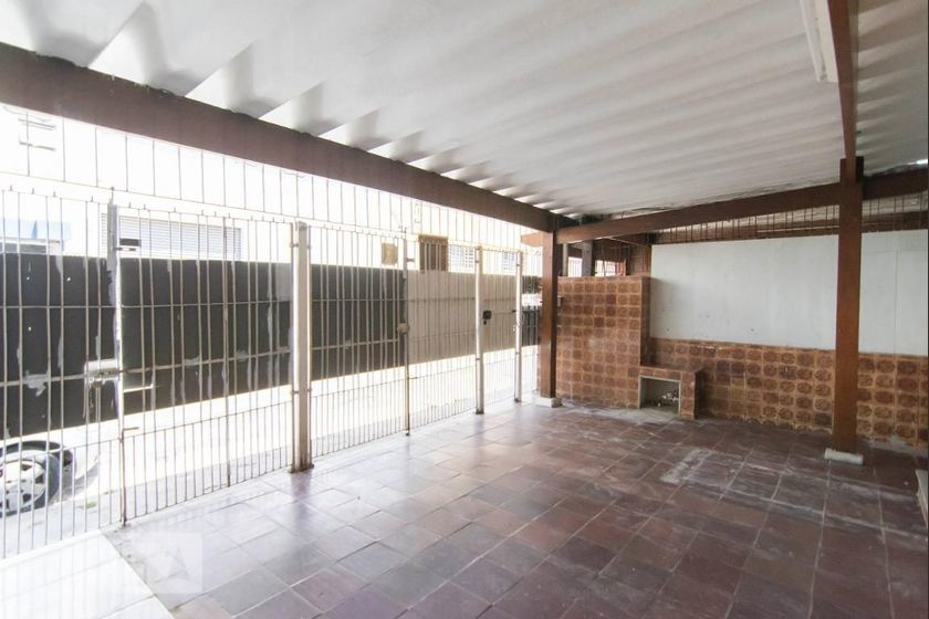Alugar - Casa  - Vila Vitório Mazzei - 3 dormitórios.