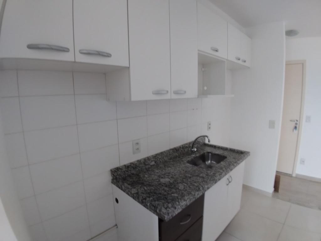 Alugar - Apartamento - Água Fria - 2 dormitórios.