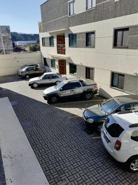 Comprar - Condomínio - Vila Santa Terezinha (Zona Norte) - 2 dormitórios.