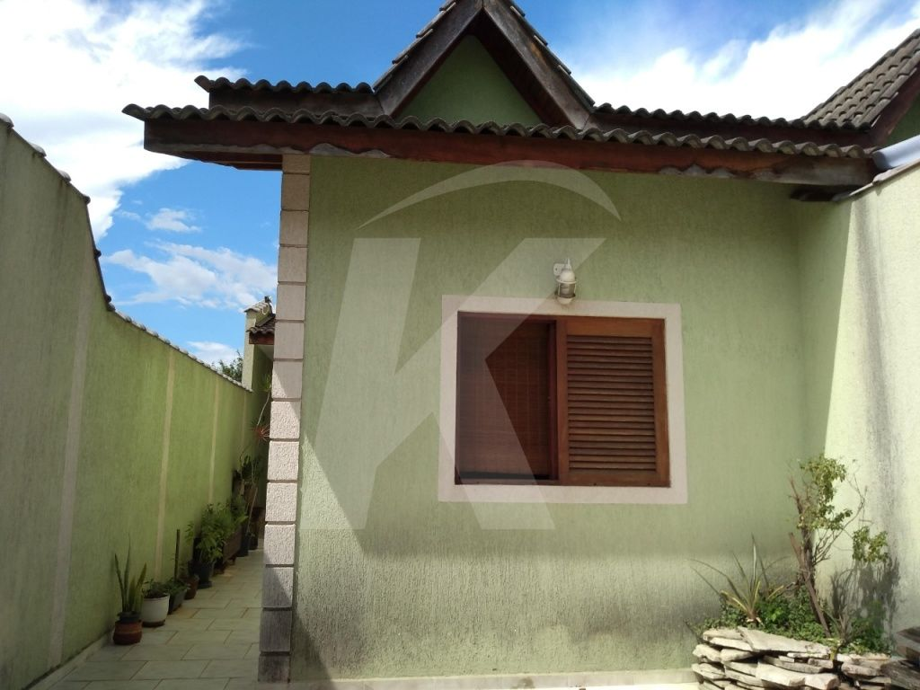 Comprar - Casa  - Jardim Santa Mena - 2 dormitórios.