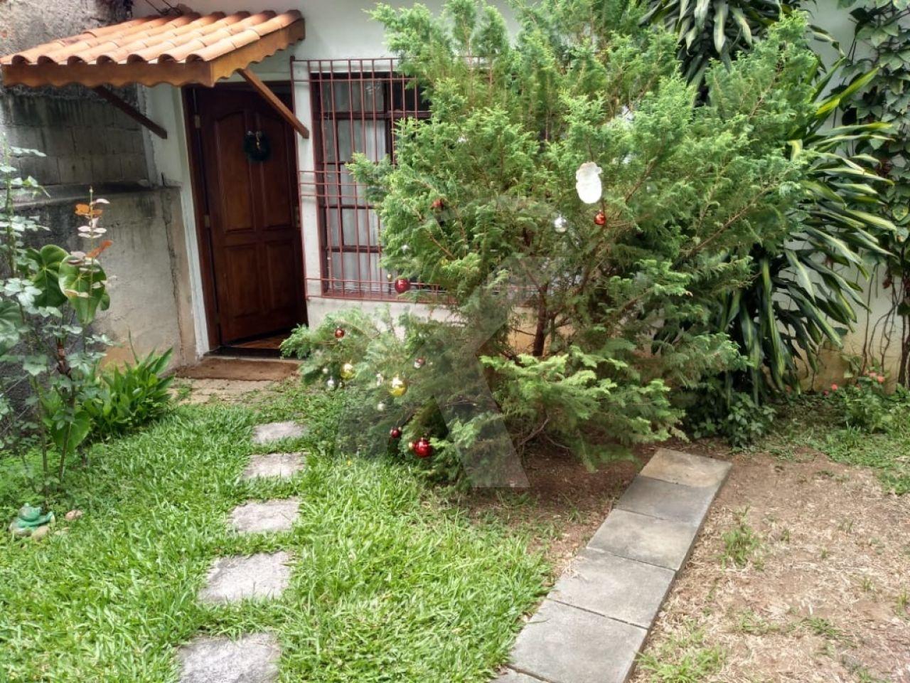 Comprar - Casa  - Vila Galvão - 2 dormitórios.