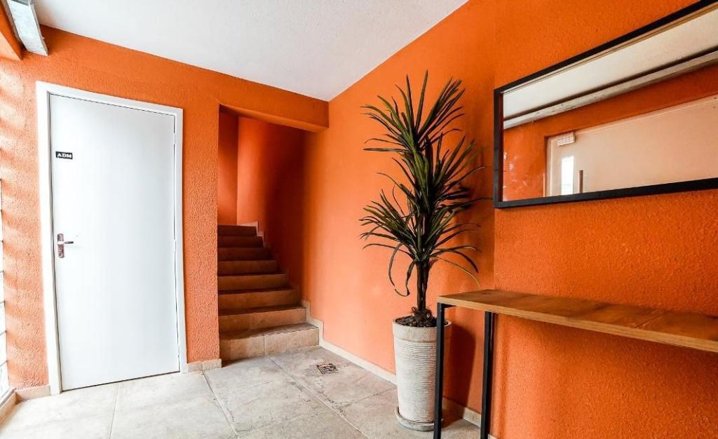 Alugar - Condomínio - Carandiru - 1 dormitórios.