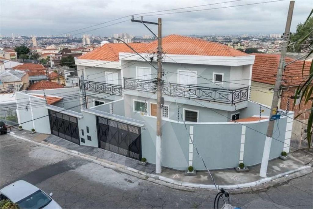 Comprar - Condomínio - Vila Nivi - 3 dormitórios.