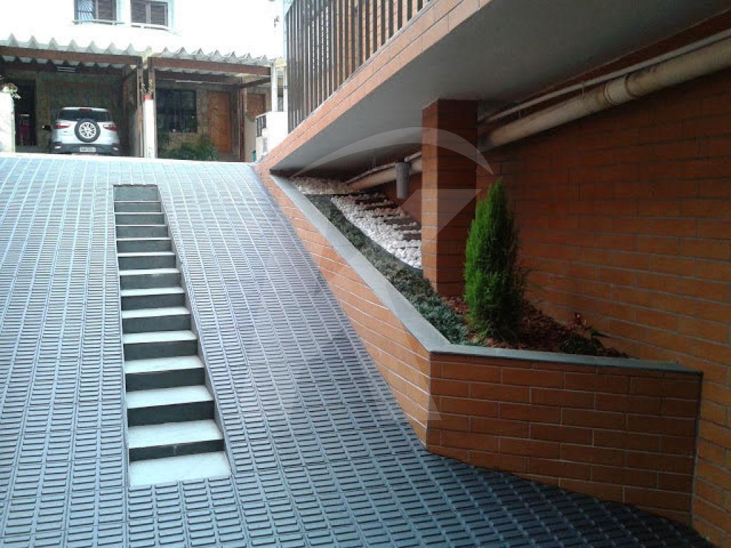 Comprar - Condomínio - Vila Medeiros - 2 dormitórios.